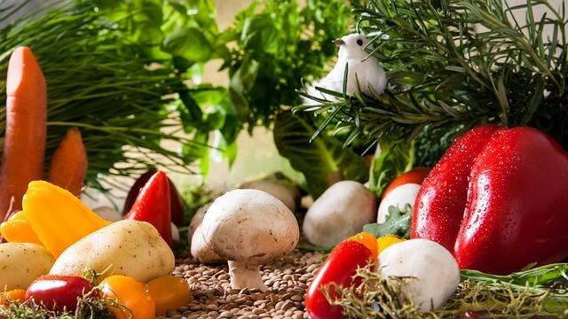 Gemüse - Paprika, Pilze, Petersilie, Kartoffeln, Cherry-Tomaten